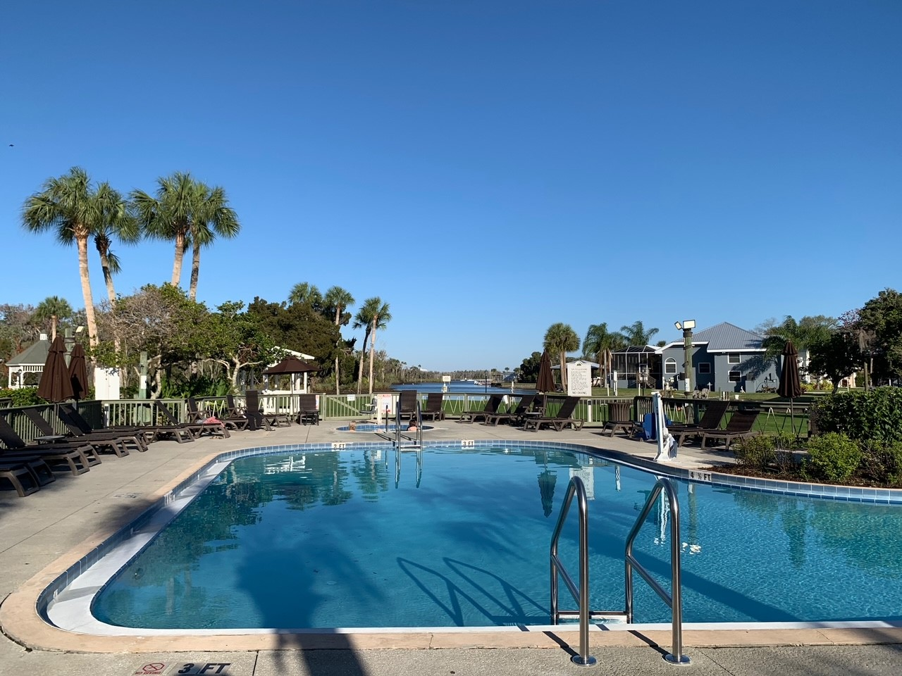 Crystal River Accommodation Pool